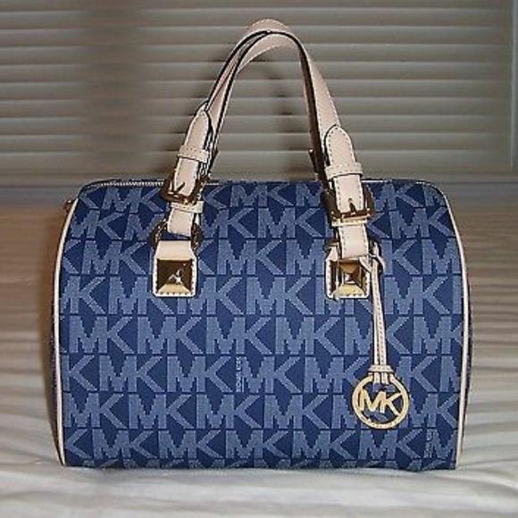 2e4dd8aafff1 M 5ac2cb1bd39ca2243a93c8ba. Other Bags you may like. Michael Kors handbag
